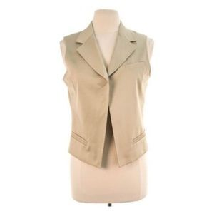 Chico's Vest Size 3 Tan Vest with Pockets Beige